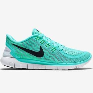 Seafoam green Nike after Run 5.0